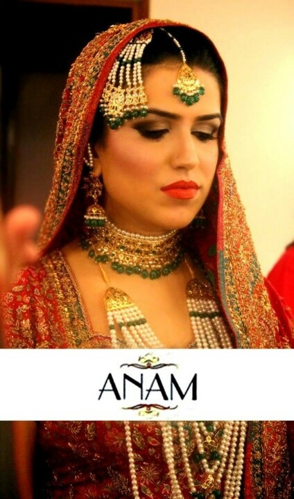 """Beautiful traditional Indian jewellery. The choker is called a """"jadawi lacha"""" and the earrings/jhumkas are called """"karan phool"""" Traditional and antique style jewellery is in fashion these days."""