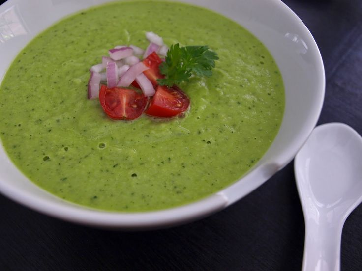 THE SIMPLE VEGANISTA: Avocado & Cucumber Soup Green Deliciousness!