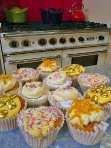 gluten-free vanilla cupcakes - phil Vickery recipe | Phil Vickery ...