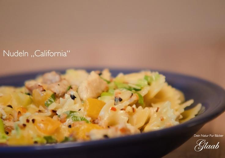 """Nudeln """"California"""" ab jetzt bei uns regelmäßig im Laden zur Mittagszeit  erhältlich :)"""