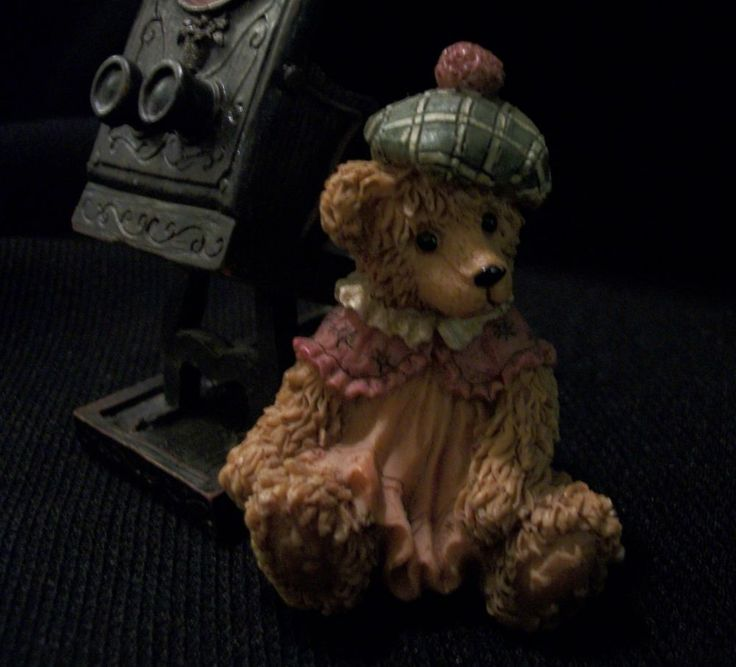 CUTE GIRL Teddy Bear with Old Fashioned Camera. She's Waiting for You to Come Take Her Picture. Excellent Pre-Owned Condition! $12.99 obo (Free S&H)
