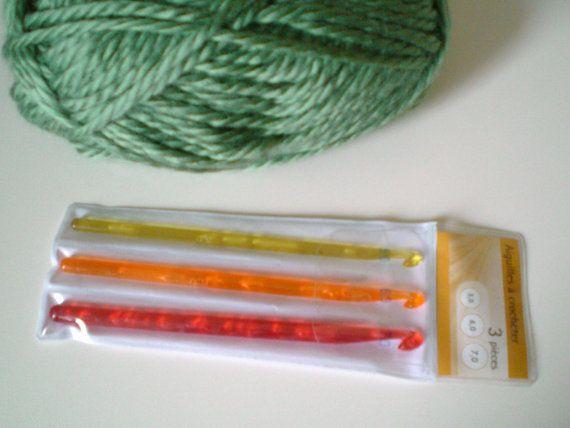 Crocheting Needles Beginners : crochet hooks Crochet Hooks for Beginners Pinterest