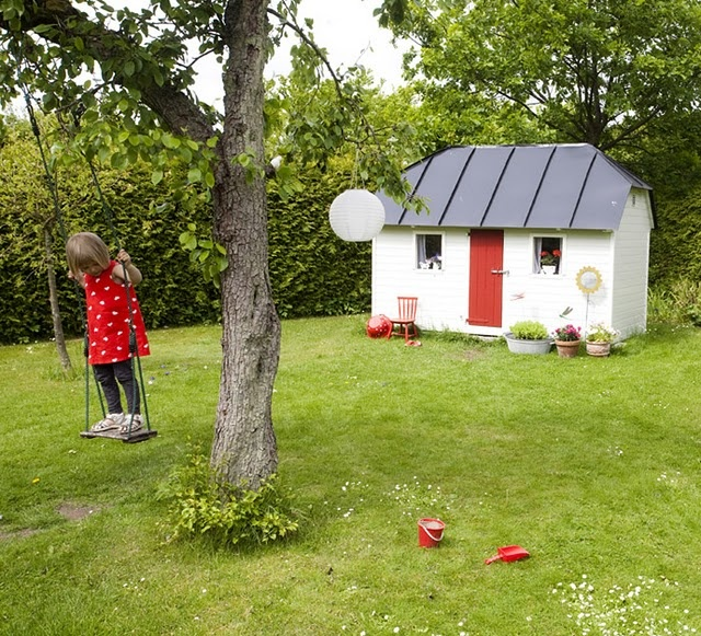 This Little play-house!  Kids outdoor magic  Pinterest