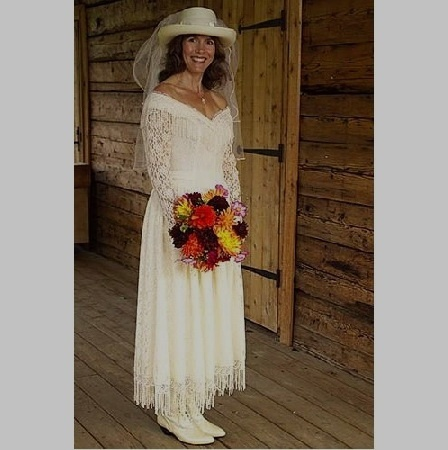 Country western wedding dresses styles for me pinterest for Wedding dress western style