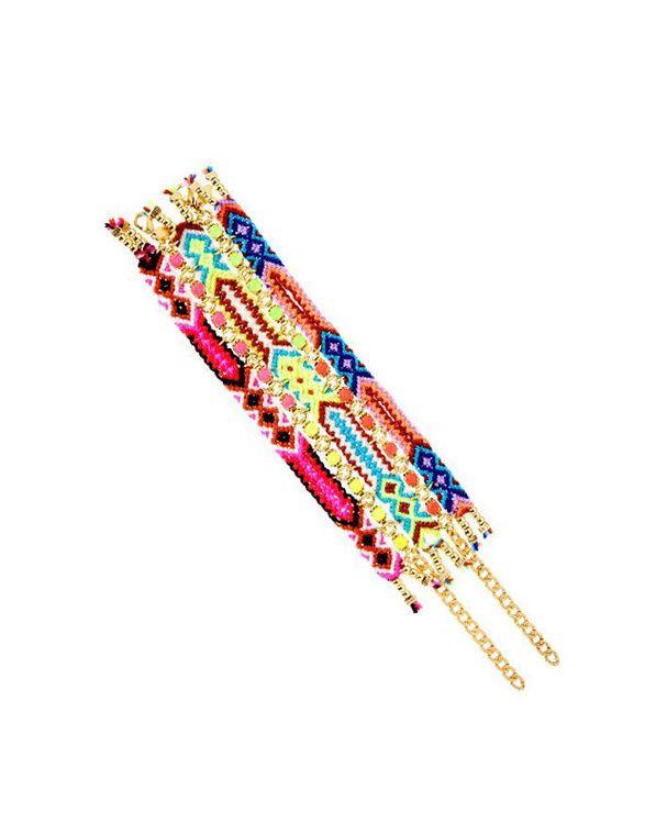 Un bracelet ethnique