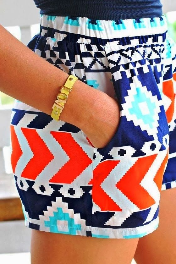 Richness of colors with elastic shorts for summer fashion