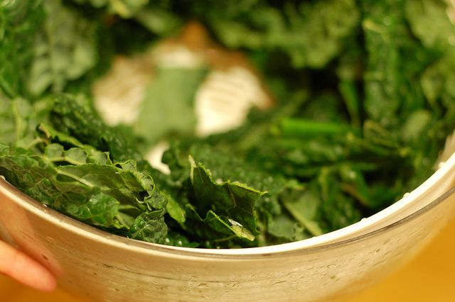 Crunchy Kale Chips with Sesame Seeds | Food (not Chocolate!) | Pinter ...