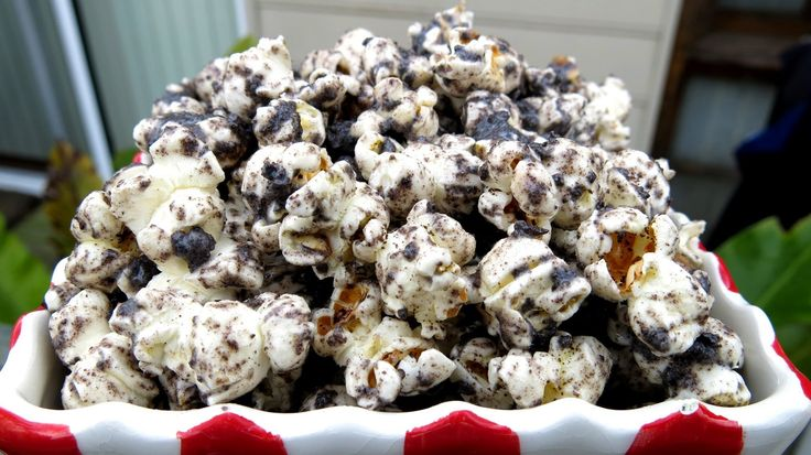 COOKIES & CREAM POPCORN | Recipes ~ Popcorn and Trail mixes | Pintere ...