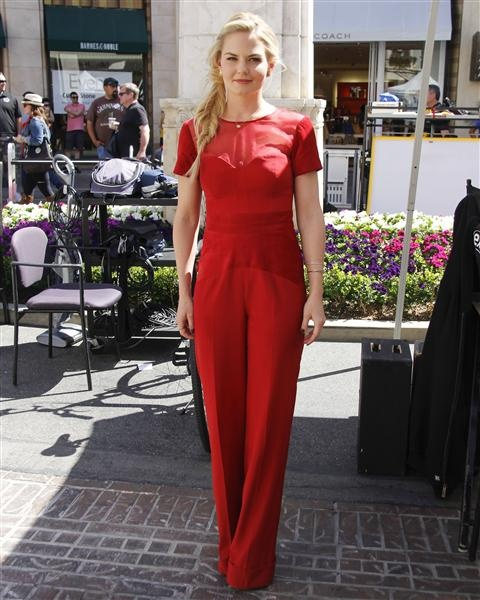 #JenniferMorrison in a #red #jumpsuit. See more celebs on Wonderwall: http://on-msn.com/101hRHR