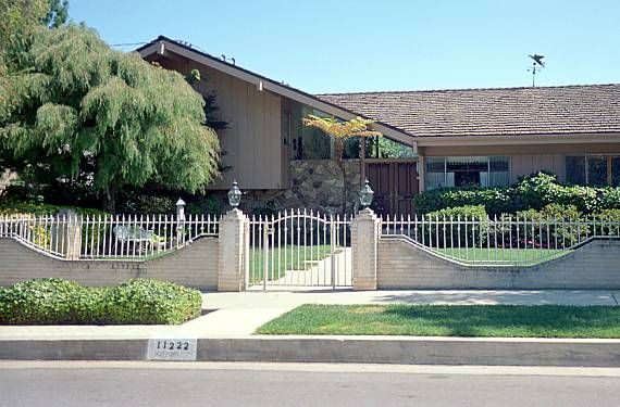 Brady Bunch House Now Structure Pinterest