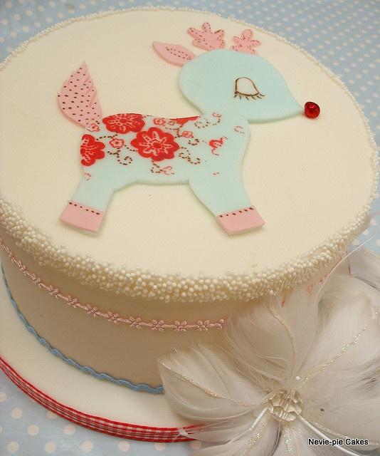 Cute Christmas Cake Images : Adorably sweet little deer Cake! Pinterest