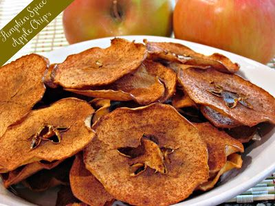 Pumpkin Spice Apple Chips These apple chips are the perfect fall treat ...