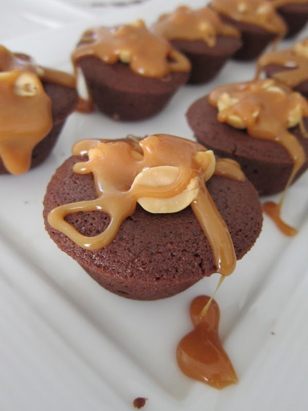 Snickers Brownie Bites | Yums Yums | Pinterest