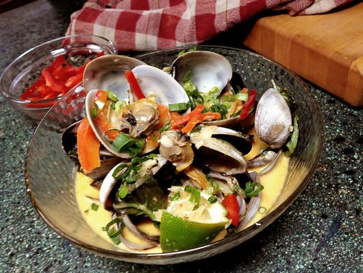 Steamed Clams With Thai Red Curry | Shrimp and Seafood Lovers | Pinte ...