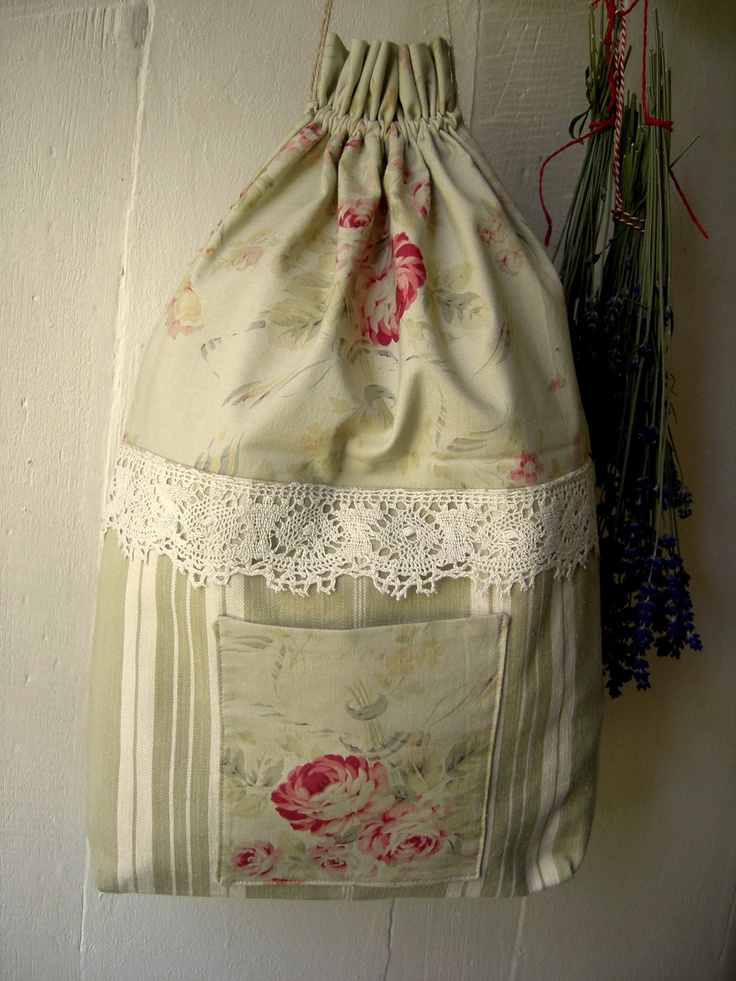 small vintage laundry bag petit sac linge. Black Bedroom Furniture Sets. Home Design Ideas