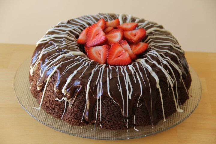 Too Much Chocolate Cake » My Mommy Style | Sweet treats | Pinterest