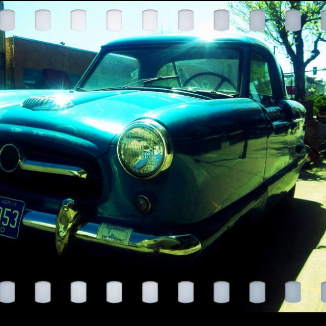 I luv this lil cutie parked outside the gallery...