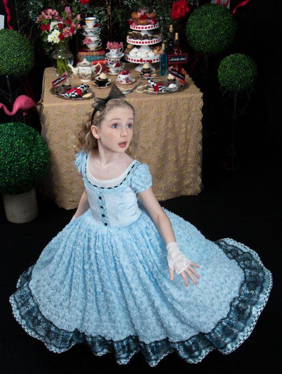 Alice in wonderland costume tim burton