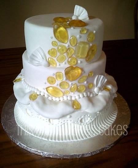 Cake Images With Gems : Couture wedding cake with sugar gems Wedding Cakes ...
