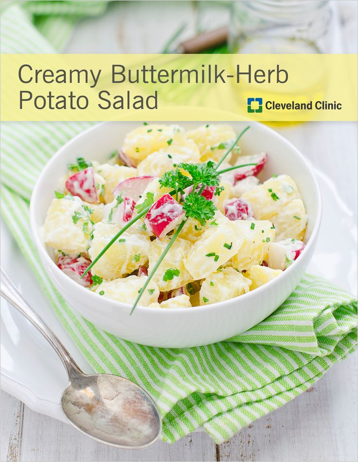 Fresh herbs and a flavorful dressing – this potato salad is perfect ...