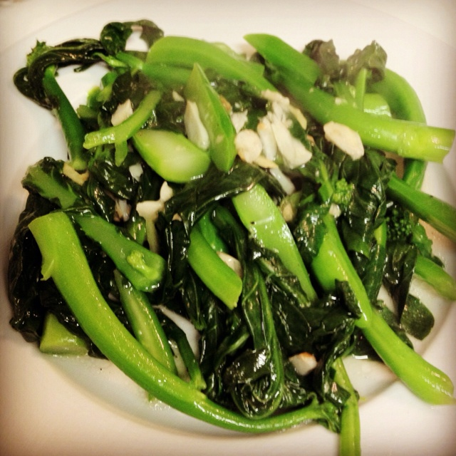 Chinese Broccoli in Garlic Sauce | I LOVE TO EAT!! | Pinterest