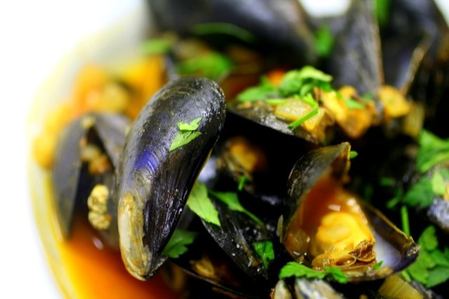 mussels with tomato & wine... | my food... | Pinterest