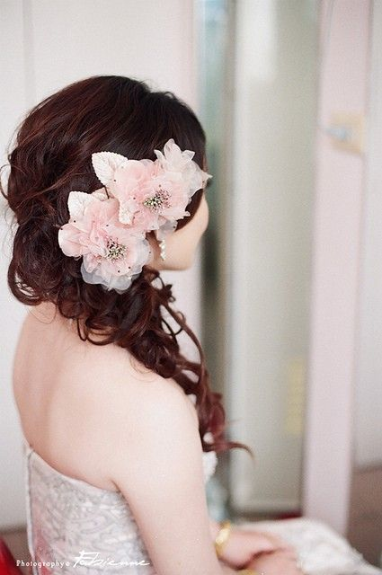 side swept wedding hair. Black Bedroom Furniture Sets. Home Design Ideas