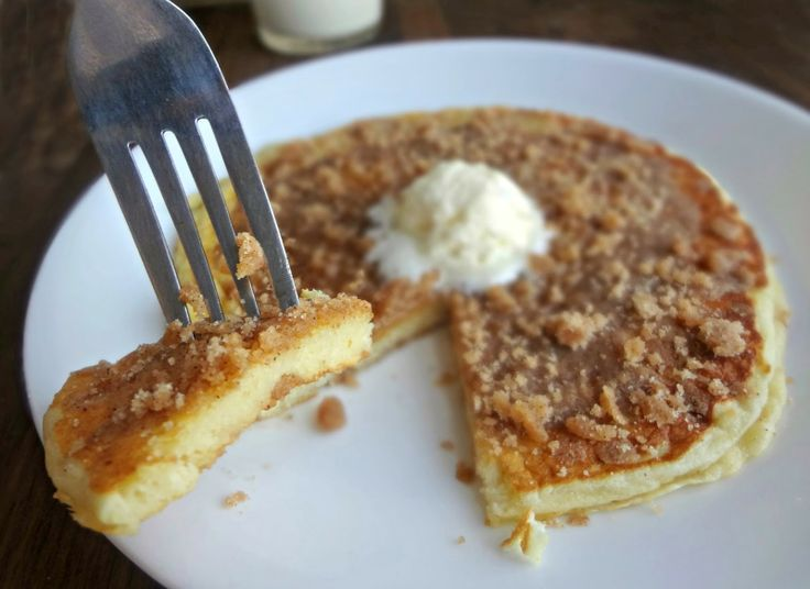The Cooking Actress: Cinnamon Streusel Pancakes