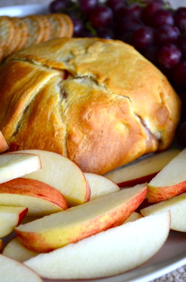 Crescent Roll Baked Brie - a DELICIOUS appetizer. Spread strawberry ...