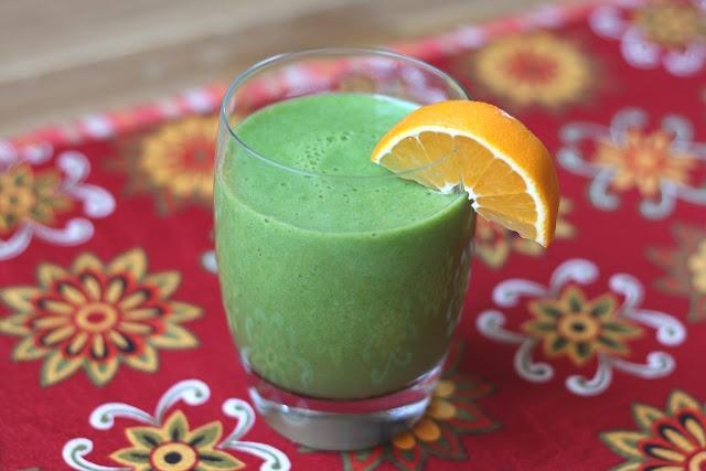 Barefeet In The Kitchen: Pineapple Orange Banana Spinach Smoothie
