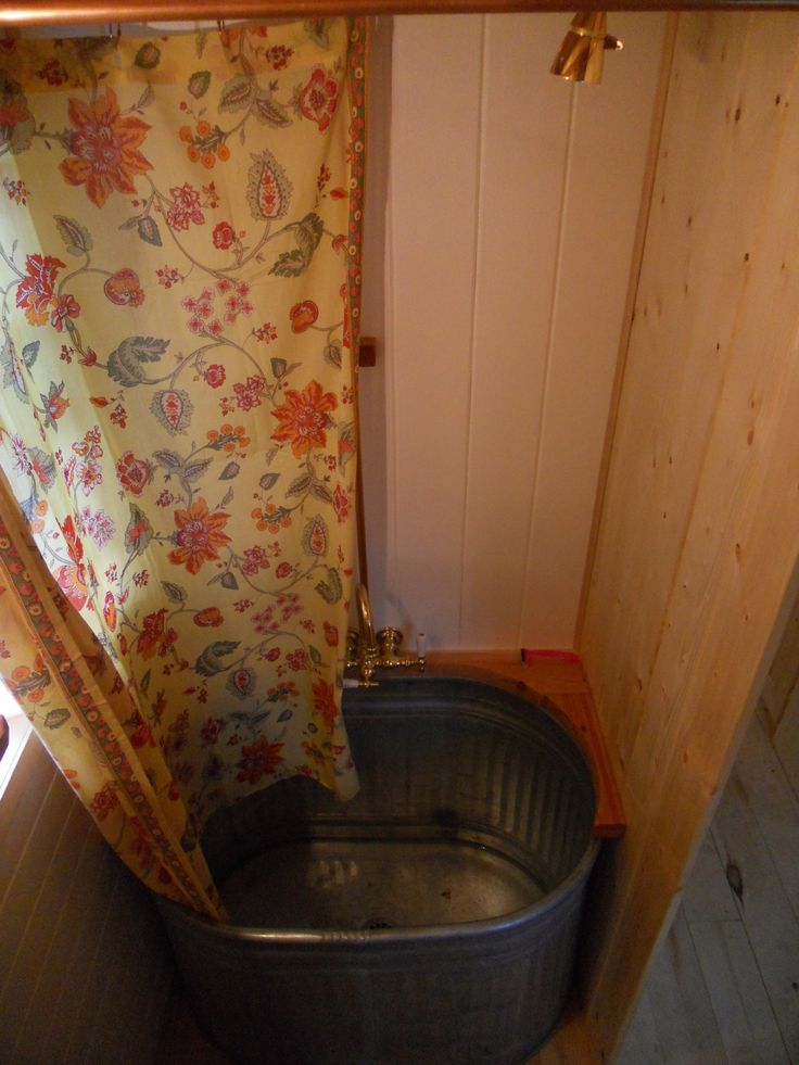 Trough Bathtub : ... Bathtub likewise Water Trough As Bath Tub in addition Water Trough Tub