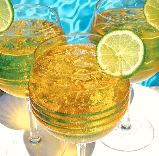 The Best Drink Recipe to Close the Summer in Style: Bajan Rum Punch ...