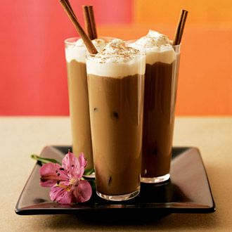Iced Vanilla Coffee Milk by southbeachdiet: 50 calories. Made with decaf coffee, fat free milk, fat free whipped dessert topping, vanilla extract and cinnamon. #Coffee_MIlk #southbeachdiet