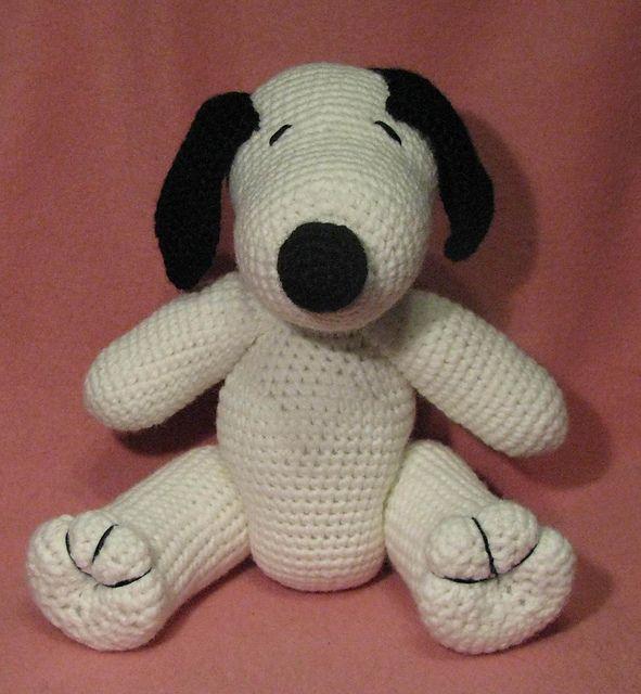 Amigurumi Patterns Snoopy : Crocheted Snoopy :) crafty crochet stuff Pinterest