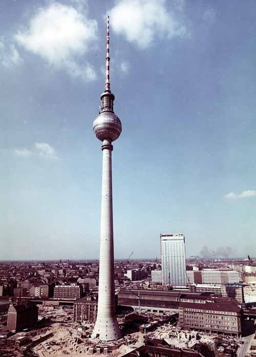 fernsehturm berlin fernsehturm pinterest. Black Bedroom Furniture Sets. Home Design Ideas