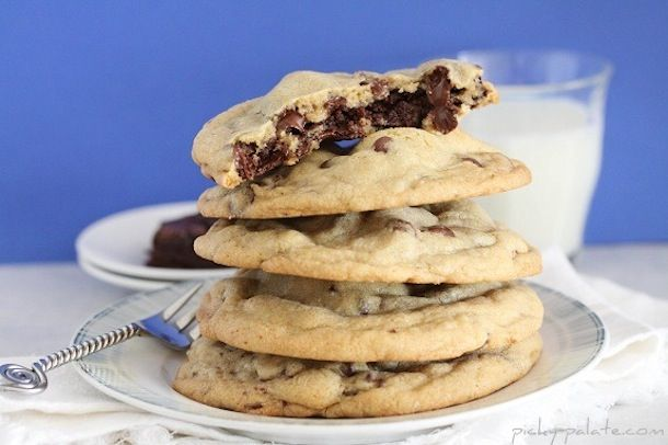 Brownie-Stuffed-Chocolate-Chip-Cookie-10..... can anyone else tell ...