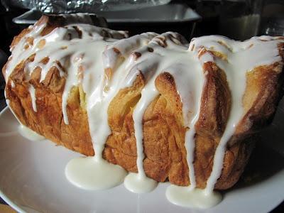 Lemon Scented Pull Apart Coffee Cake. | ReTorte | Pinterest