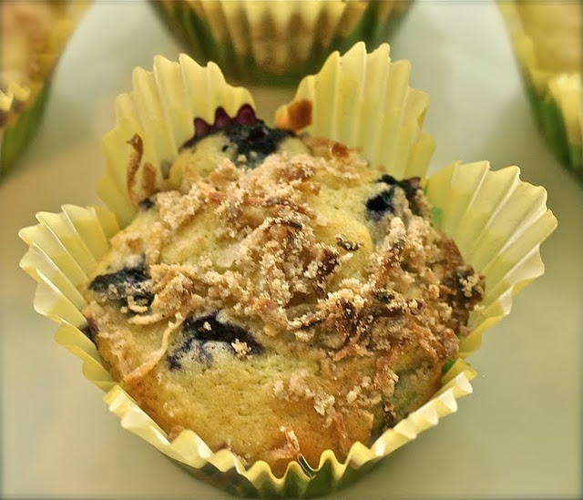 Mango Blueberry Muffins with Coconut Struesel Topping