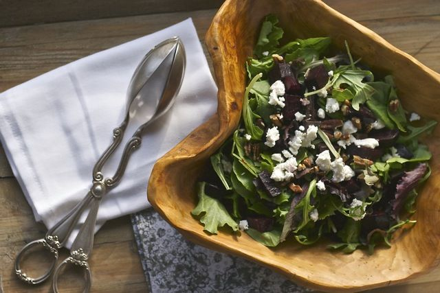 roasted beet and goat cheese salad with walnut vinaigrette - Feeling ...