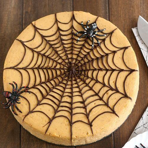 Halloween Recipes : Spiced Pumpkin Spiderweb Cheesecake