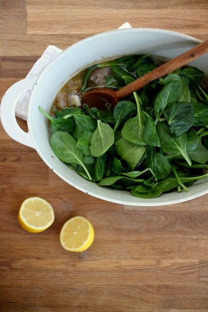 The Spinach Soup With Garlic Thyme Croutons Recipe is Natural #soup ...