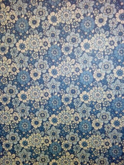 Behang, retro bloemetje  Behang blauw  Pinterest