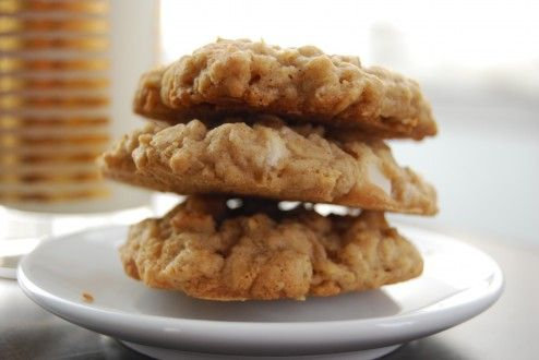 White Chocolate Chip Oatmeal Cookies | Growling Tummy | Pinterest