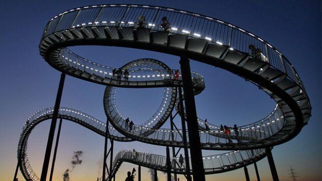 Walking Rollercoaster in Duisburg