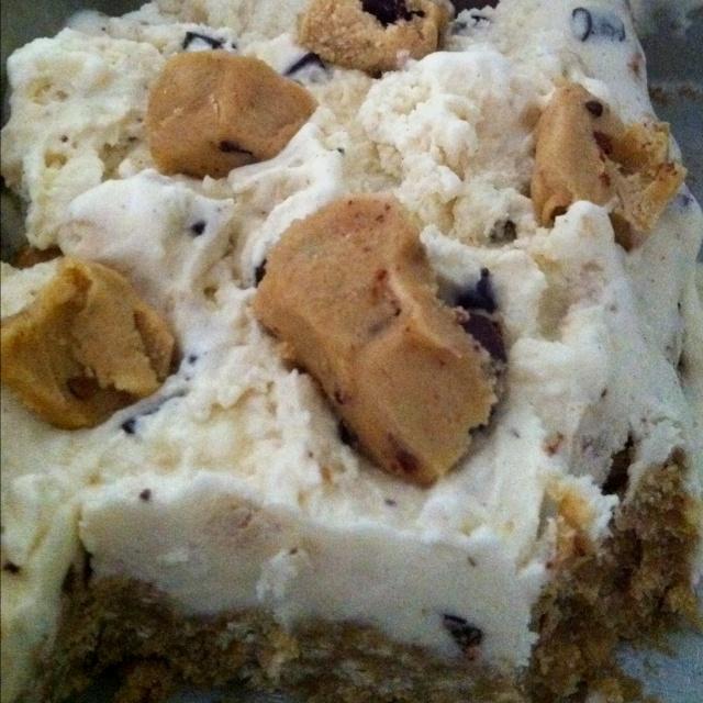 cookie dough ice cream pizza! Delish! | Desserts | Pinterest