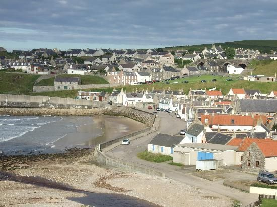 My father Charlie was born here in 1915, overlooking Cullen Bay, in a tiny cottage just up to the right of the photo.
