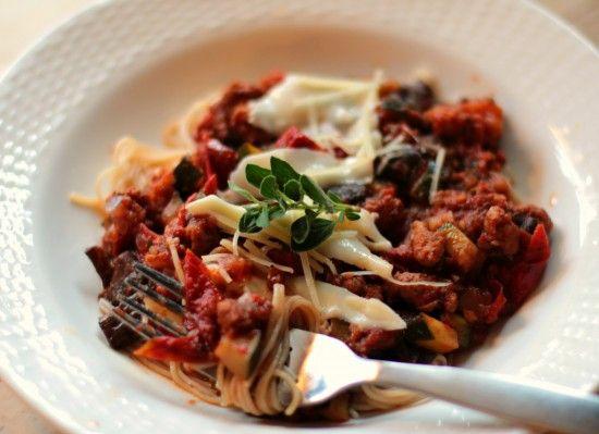Spaghetti with Roasted Tomato Sauce | yum, yum | Pinterest