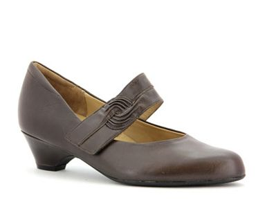 VAIL - Ziera Shoes -- Ziera is a orthotic-friendly shoe and these are