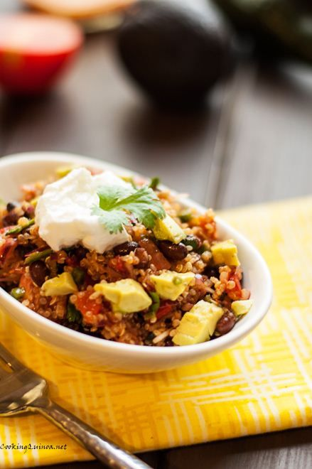 Smoky Black Bean, Poblano Pepper & Quinoa Salad I have black beans, I ...
