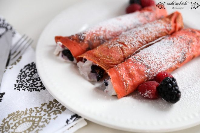 Kahlua Crepes with Ricotta Cheese and Berries Filling